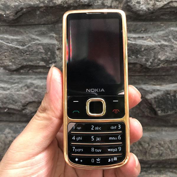 Nokia 6700c màu vàng hồng