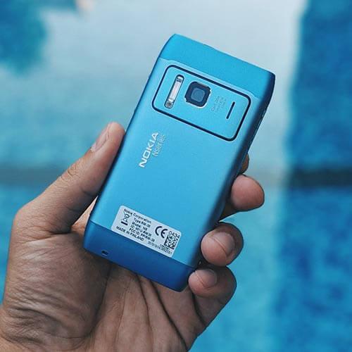 Nokia N8 màu xanh dương